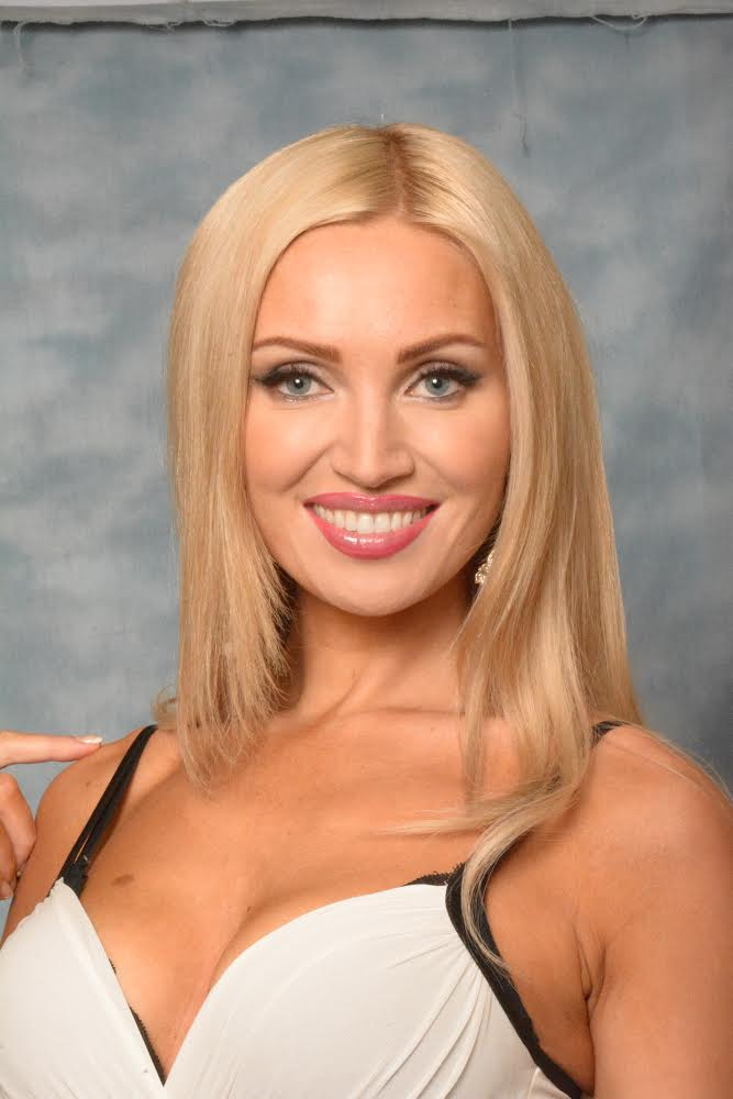 Lindsay Felton nude