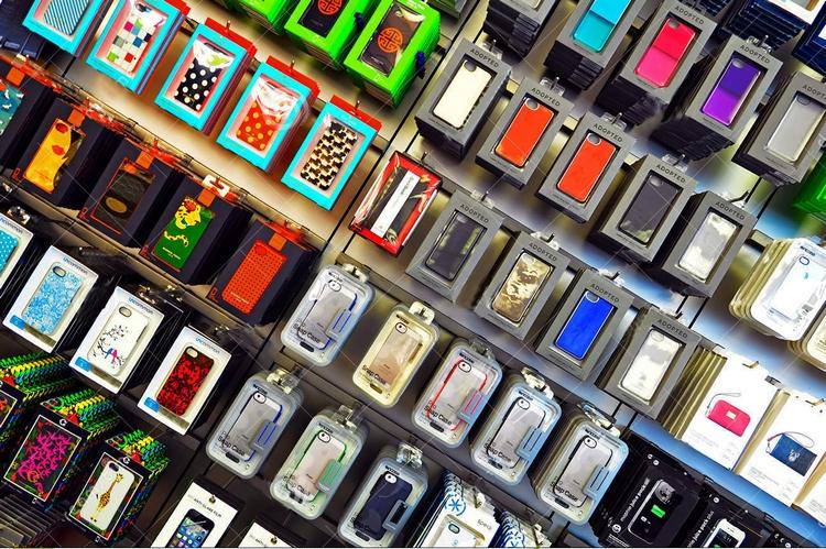 Глобальная распродажа чехлов для телефонов за пол-цены в салонах Life ) 3f217adfe5c