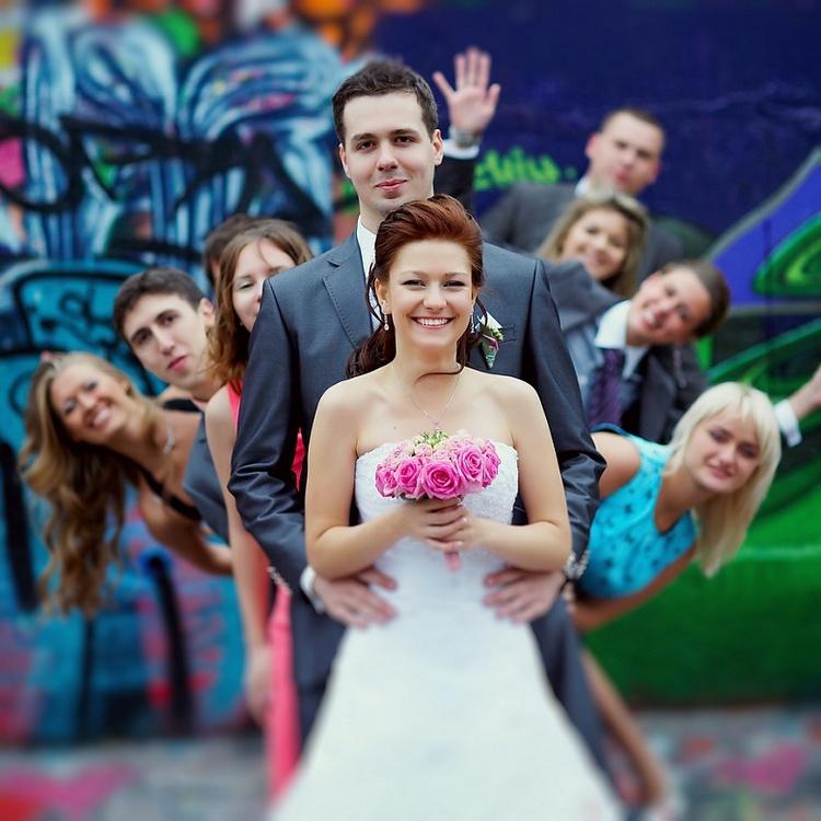 Идеи для свадебного фото с гостями